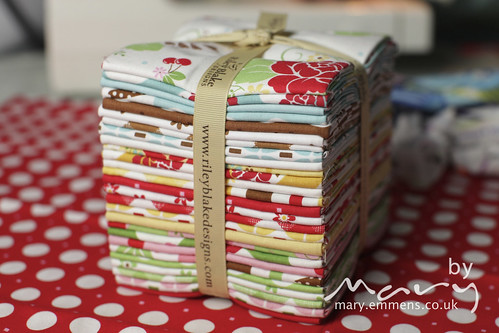 Sew Cherry FQ bundle