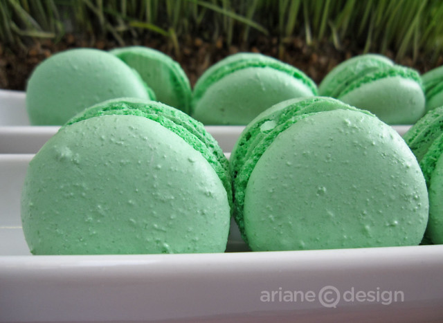 Key lime macarons