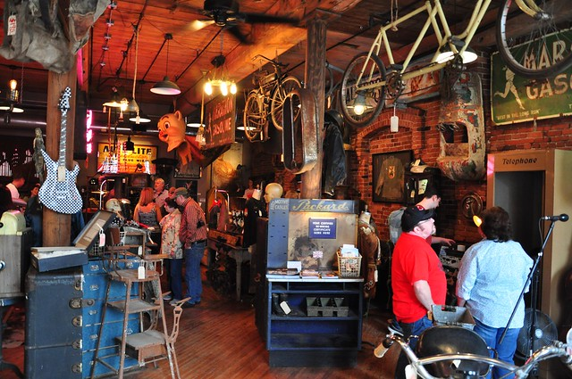 Antique archaeology american pickers nashville tn for Antique stores in nashville