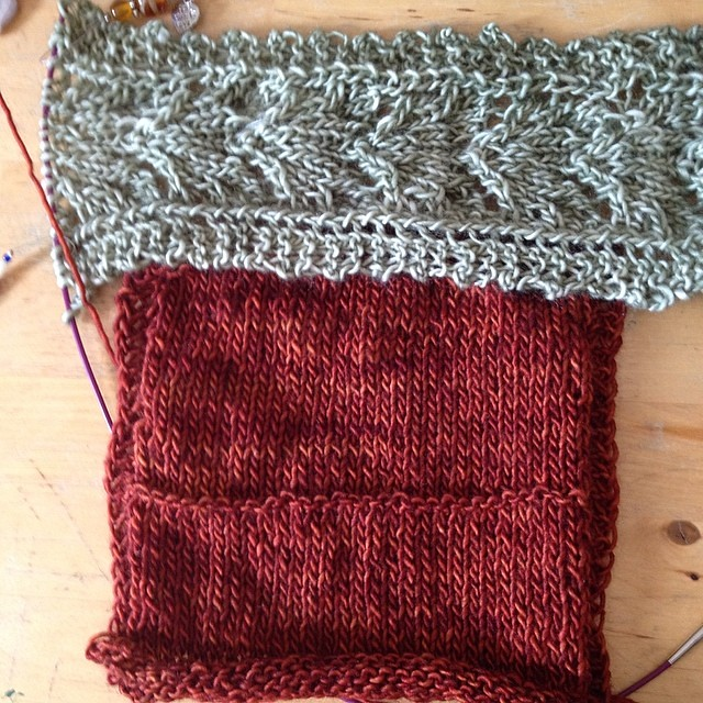 Prove di colore #instaknit #jojilocatelli #oldromance #raverly #knitting #knit #cheaphappiness #iolavoroamaglia #lavoroamaglia #fattoamano #handmade #yarn #madelinetosh #ameliabefana