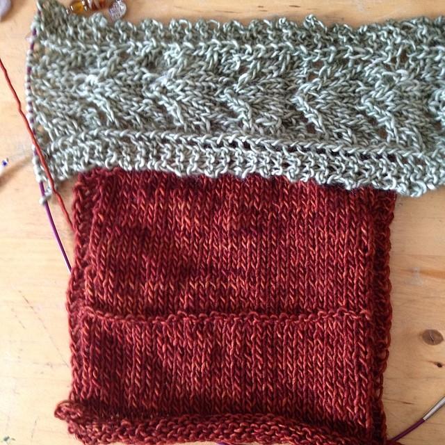 Prove di colore #instaknit #jojilocatelli #oldromance #raverly #knitting #knit #cheaphappiness #iolavoroamaglia #lavoroamaglia #fattoamano #handmade #yarn #madelinetosh #ameliabefana