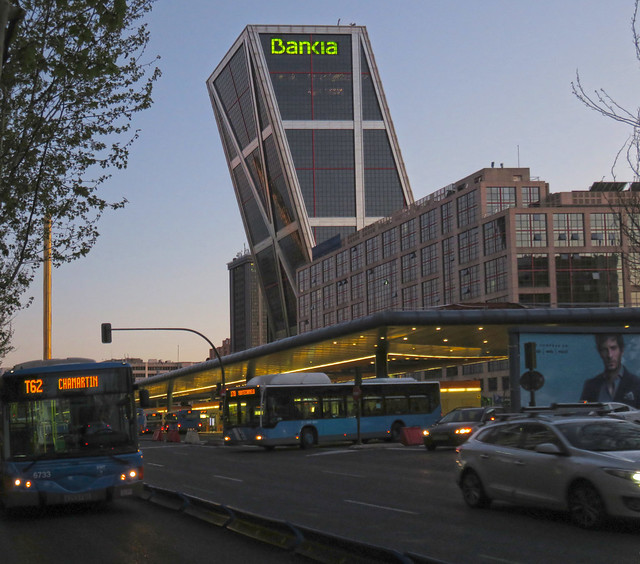 Plaza de Castilla station and Bankia building (KIO towers), Madrid (2016)