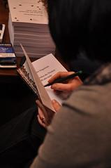 die Autorin signiert