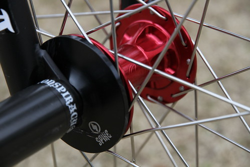 SPIKE FRONT HUB