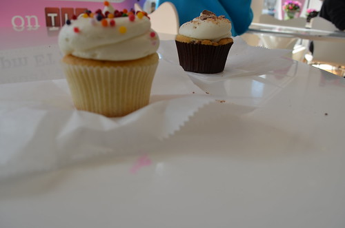 we went to georgetown cupcakes lol you know that tlc d.c. cupcakes show?