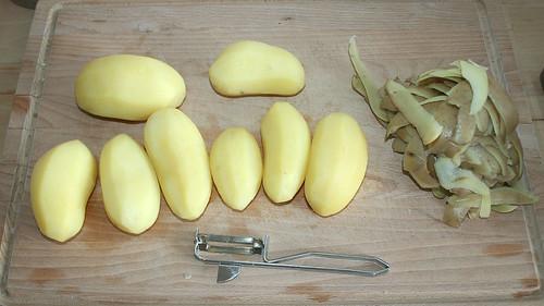 20 - Kartoffeln schälen / Peel potatoes