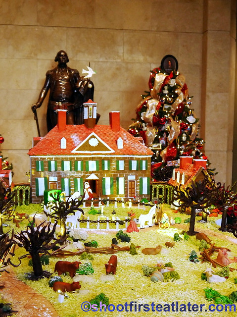 Mount Vernon gingerbread house