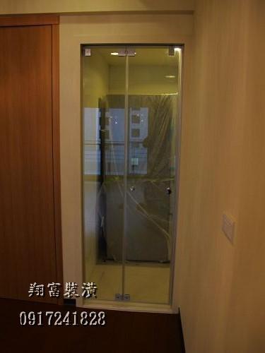 3.4廚房玻璃折門