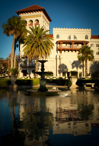 street city travel blue trees winter sky reflection green water fountain architecture square hotel florida south colonial january sunny palm east spanish adapter m42 canon350d tropical flektogon 20mm tradition staugustine 2012 carlzeissjena 2820mm gettycandidate
