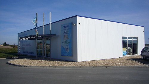 Magasin piscine saint sulpice de royan pr s de royan 17 charente maritime aqua cr ations royan for Magasin de piscine