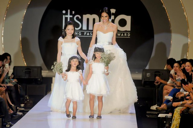 runway 14-Finale walk with my 2 princesses