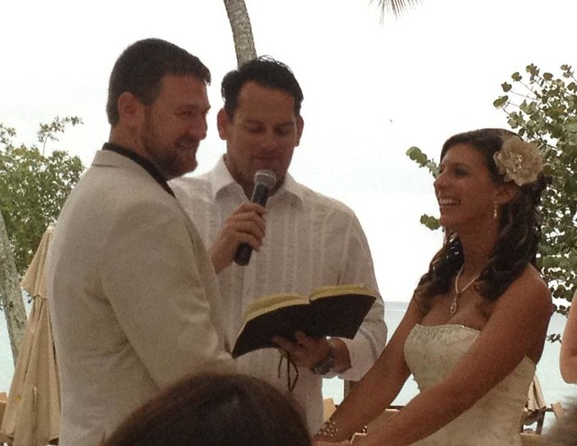 Gittin Wedding officiant