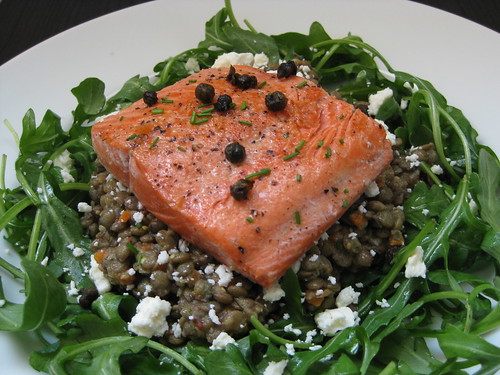 french lentil salad with salmon, arugula and feta
