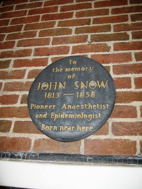 Photo of John Snow black plaque