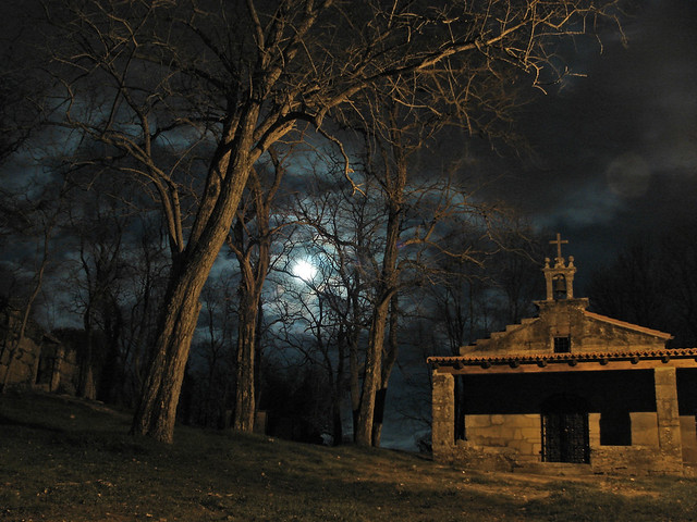Capela da Pastora e a lúa
