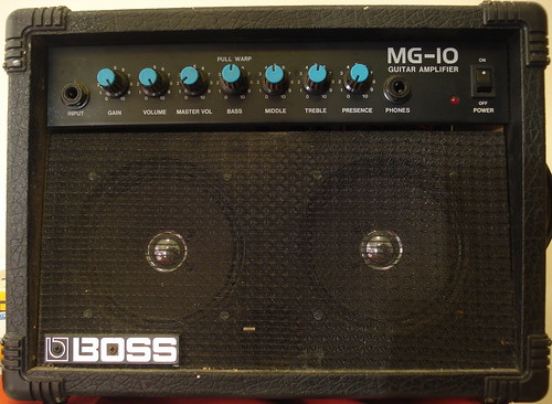 Boss MG-10 amplifier