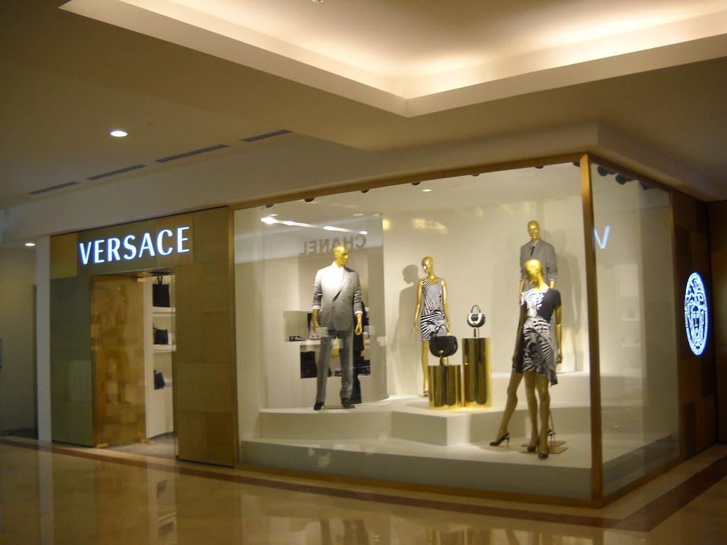 b16095270acf Versace stores - SkyscraperCity