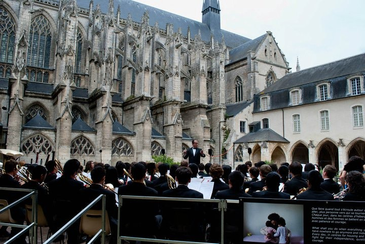Loma Linda performs an outdoor concert in the cloisters of Abbaye de la Trinite in Vendome