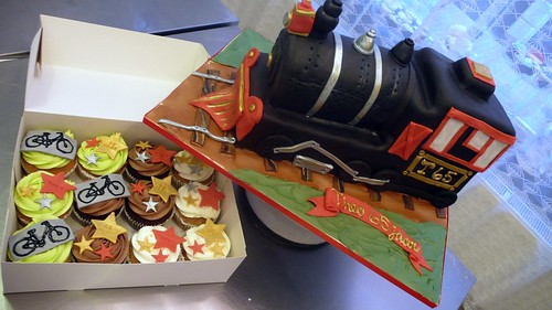 Locomotive Cake by CAKE Amsterdam - Cakes by ZOBOT