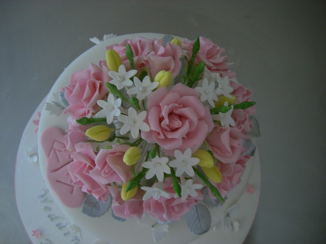 Sugar Flowers CloseUp 25th Wedding Anniversary Cake