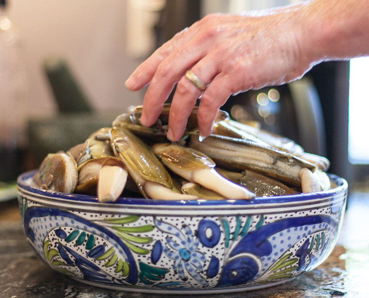 60 razor clams!