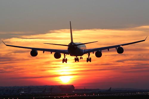 travel sunset sun plane flying heathrow aircraft aviation transport flight virgin explore airline airbus vs airliner lhr a340 virginatlantic liner vir egll explored gvgas gsairpics
