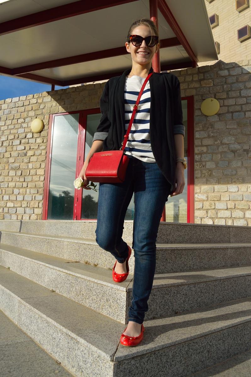 lara-vazquez-madlula-blog-red-details-easy-look