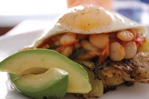 » Fried egg with beans and roast potatoes