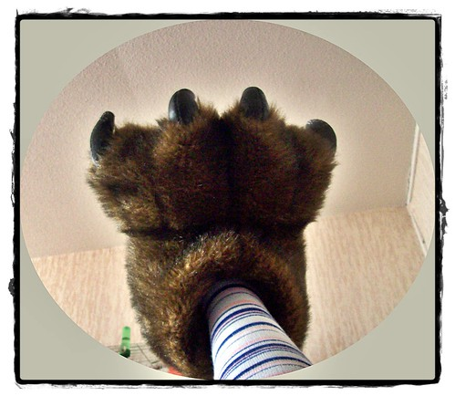 This is my winter slippers: slippers Yety- az én téli Yety papucsom (: