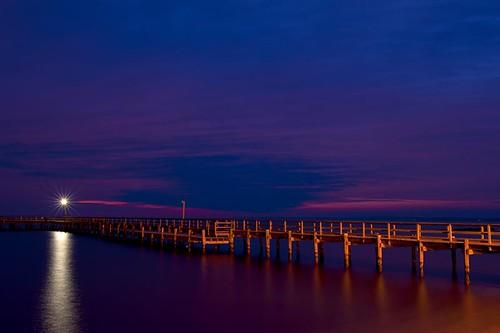 morning dawn pier calm potomacriver civiltwilight colonialbeach skysunrise