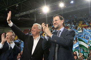 Mariano Rajoy y Javier Arenas en un mitin
