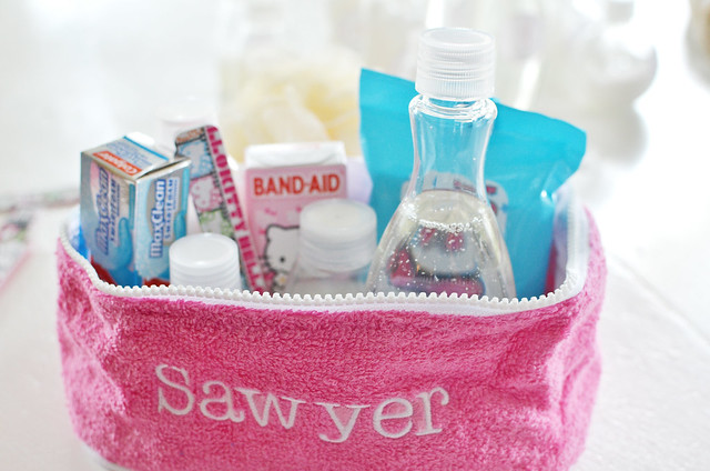 inside sassys toiletrybag3
