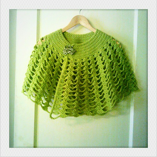 Knitting Patterns For Capelets Free : things to make and do: crochet capelet
