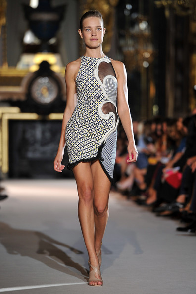 Stella-McCartney-Runway-SS2012-Paris-Fashion-Week-29