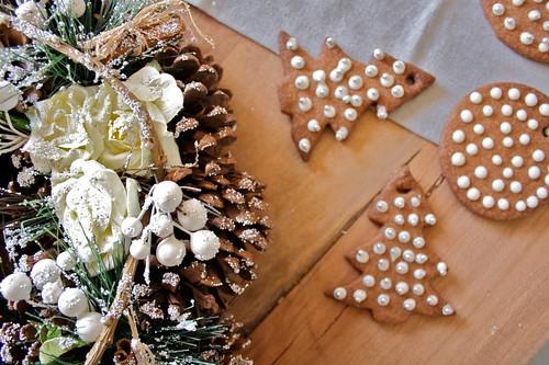 Biscotti Decorati Per Albero Di Natale.Albero Di Natale E Biscotti Decorati La Tana Del Coniglio