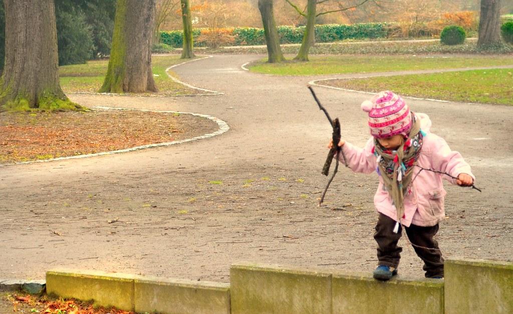 Im Park finden sich viele tolle Stöcke.