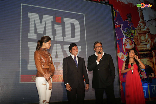 Deepika-Padukone,Manajit-Ghoshal,-Jackie-Shroff-And-Mini-Mathur-At-Mid-Day-Party