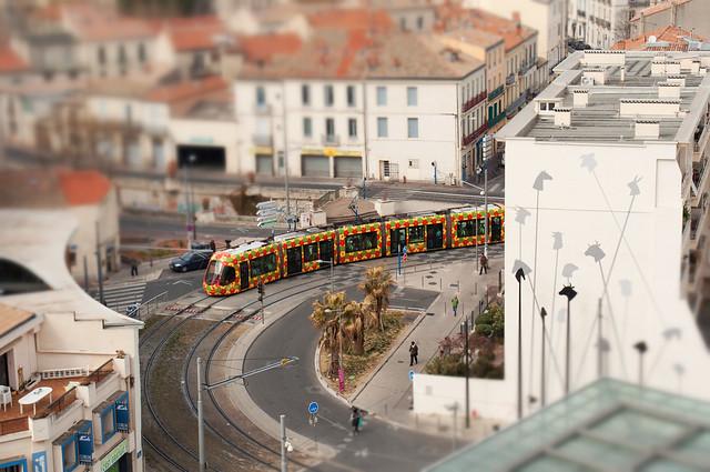 Tramway line 2, Nikon D5000, Sigma 18-50mm F2.8-4.5 DC OS HSM