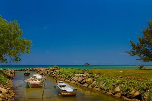 seascape beach landscape boats fisherman village 7d noon layang dri tse labuan tse24mm layangan canontse24mmf35lii