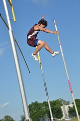 hurdle(0.0), mast(0.0), high jump(0.0), physical exercise(0.0), athletics(1.0), track and field athletics(1.0), sports(1.0), pole vault(1.0), extreme sport(1.0), person(1.0),