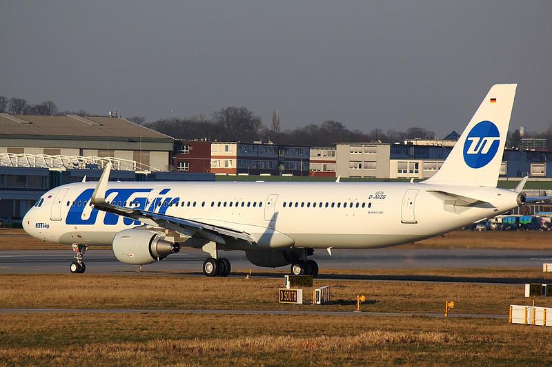 UTair - A321 - D-AVZG (1)