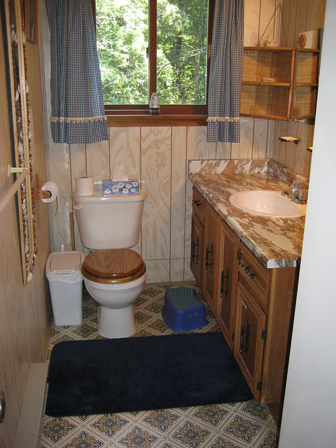 Bathroom (with shower), Canon POWERSHOT SD600, Canon 5.8-17.4 mm