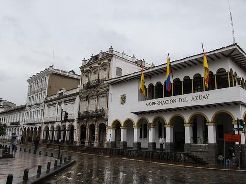 Cuenca: les arcades de la Place des Cathédrales