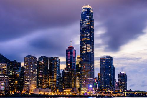 hongkong dusk wanchai hongkongconventionandexhibitioncentre 香港会議展覧中心