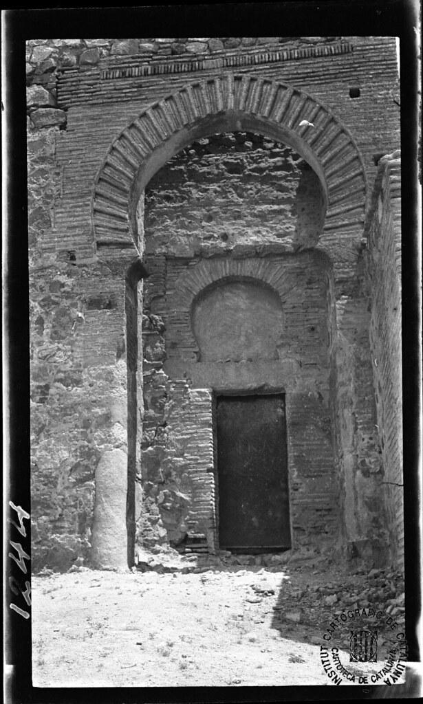 Puerta del Castillo de San Servando en 1933. Fotografía de Gonzalo de Reparaz Ruiz. © Institut Cartogràfic de Catalunya