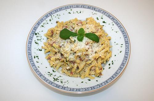 21 - Gebratene Spätzle mit Schinken / Fried spaetzle with bacon - Serviert