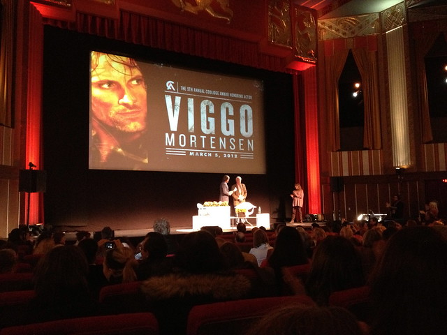 viggo accepts the award