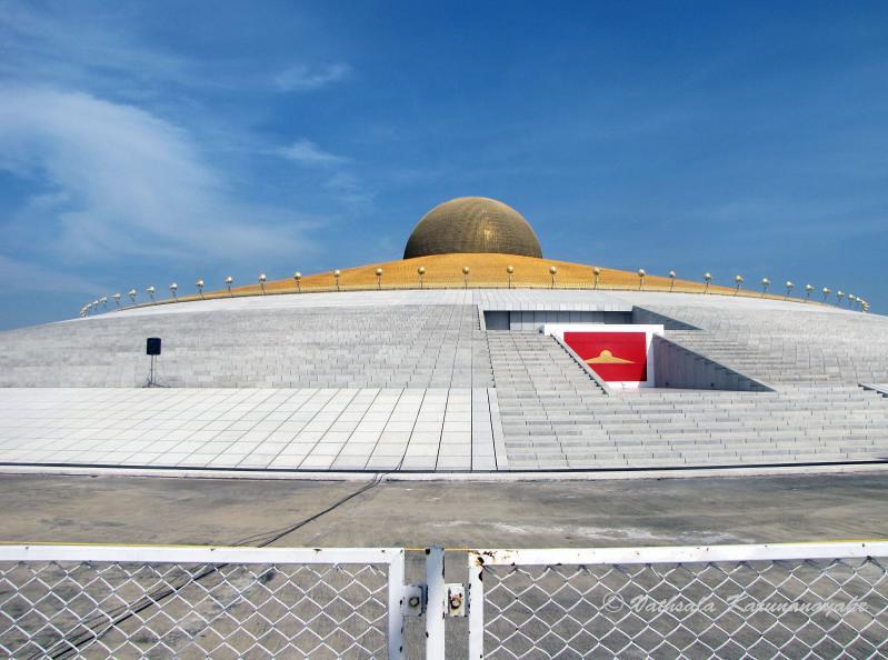 Wat Phra Dhammakaya The Dhammakaya Cetiya Thailand Flickr