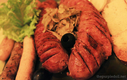 German Sausage & Cheese Platter with Sauerkraut and Bagel Chips Double P480