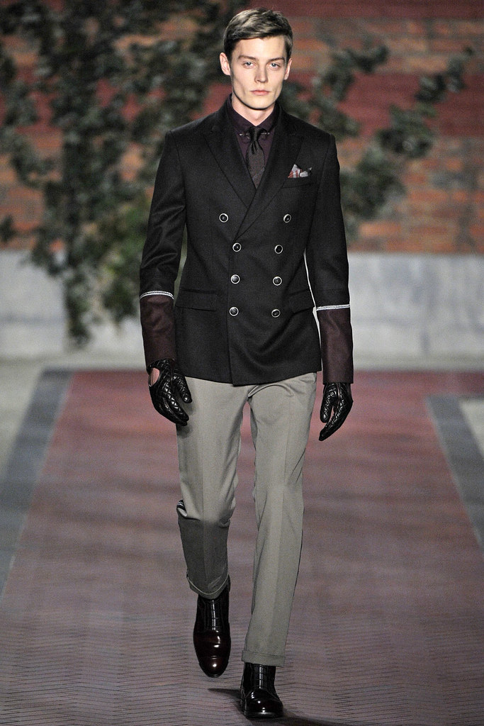 FW12 NY Tommy Hilfiger001_Janis Ancens(VOGUE)